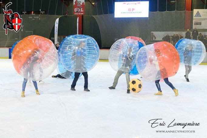 bubble-soccer-glace-patinoire-chevaliers-lac