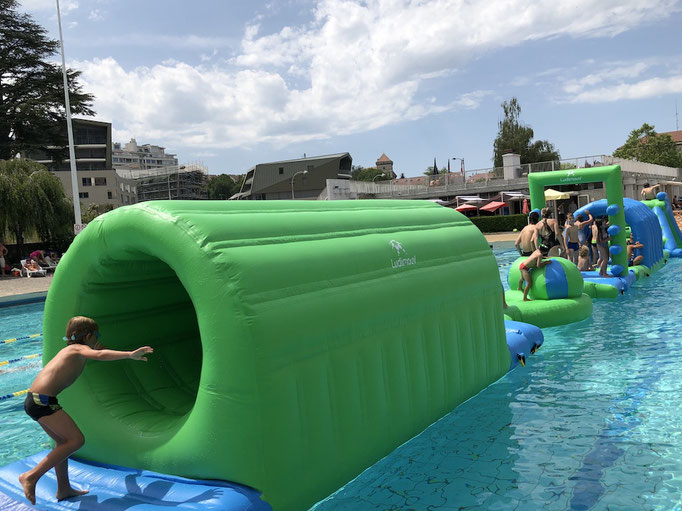 obstacle-course-piscine-fun-gonflable-ludimouv