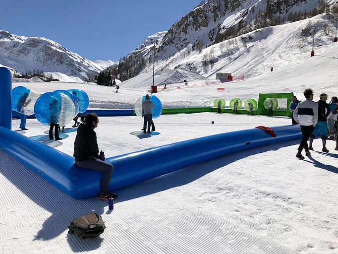 tournoi-sportif-gonflable-station-neige