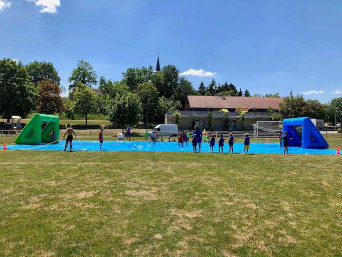 terrain-foot-savon-exterieur-stage-vacances