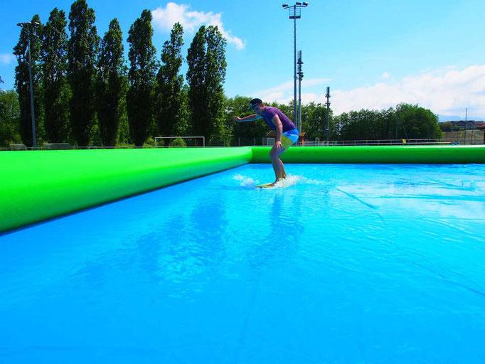 surf-skimboard-piscine-ludimouv