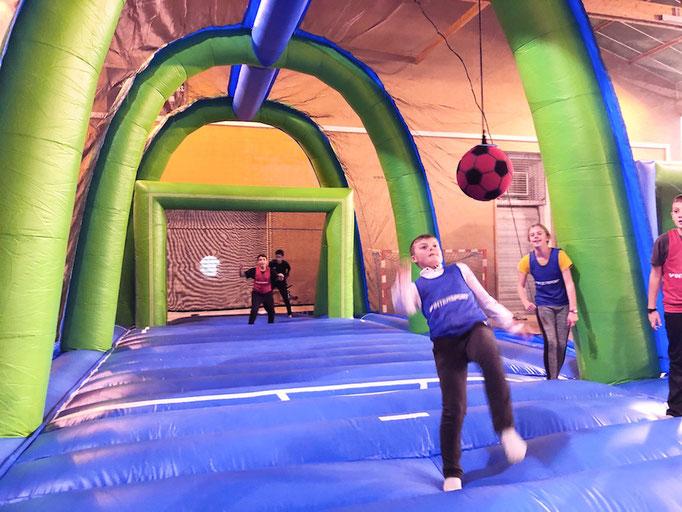 retournee-acrobatique-enfant-jeu-gonflable