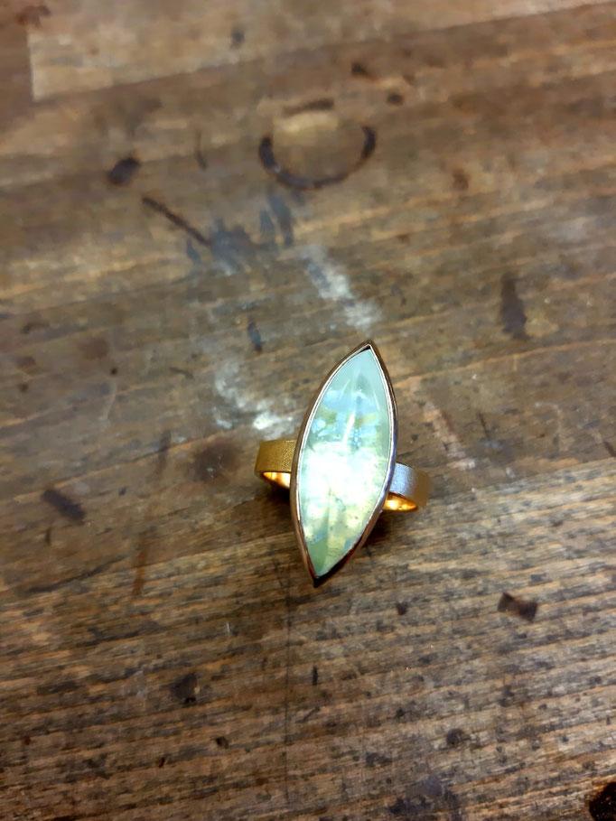 Aquamarin Ring, gearbeitet aus 585er Gelb und Weißgold