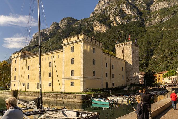 Rocca di Riva, die Wasserburg in Riva del Garda