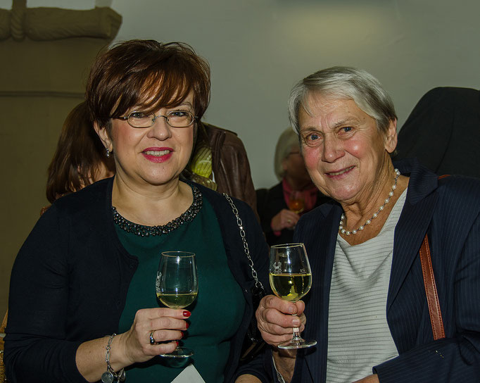 Stadträtin Elvira Kahnt und Barbara Wachter