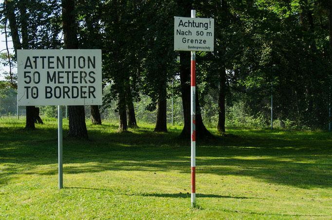 Hinweis auf den Grenzverlauf