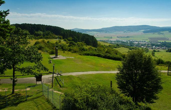 Blick vom Turm übers Denkmal nach Thüringen