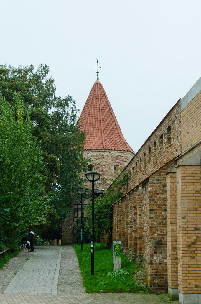 Turm und Mauer der früheren Stadtbefestigung