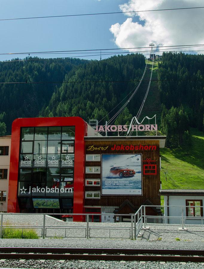 Die neugebaute Kabinenbahn zum Jakobshorn