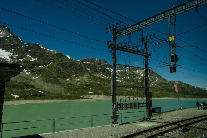 Bahnstrom-Schaltanlage im Bahnhof Ospizio-Bernina (2253 m ü.M.) am Lago Bianco