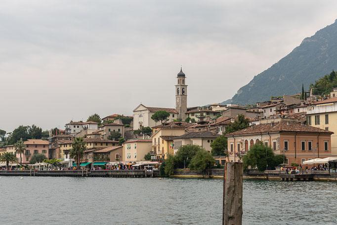 Limone mit dem markanten Turm der Kirche San Benedetto