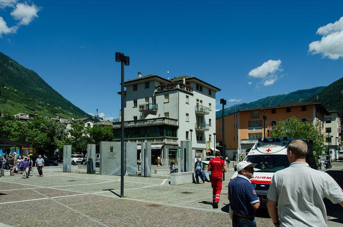 Tirano, Bahnhofsvorplatz