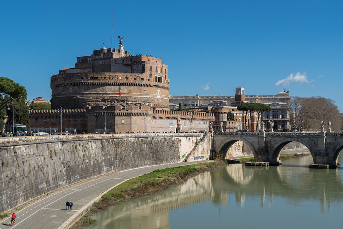 Castel Sant' Angelo von Osten betrachtet