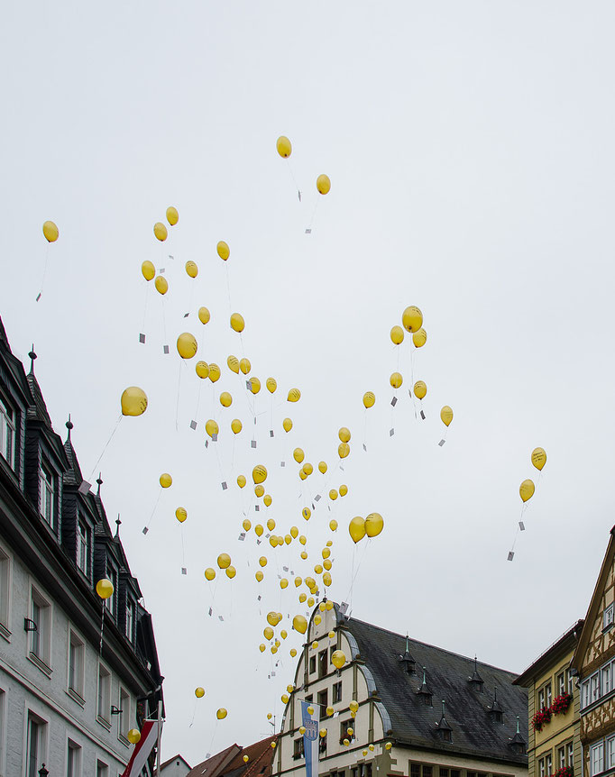 99 Luftballons fliegen los ...