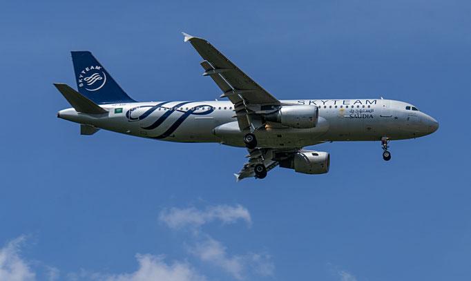 SkyTeam ist eine im Jahr 2000 gegründete Luftfahrtallianz. Sie ist mit aktuell 20 Mitgliedern nach der Star Alliance die zweitgrößte Luftfahrtallianz der Welt.
