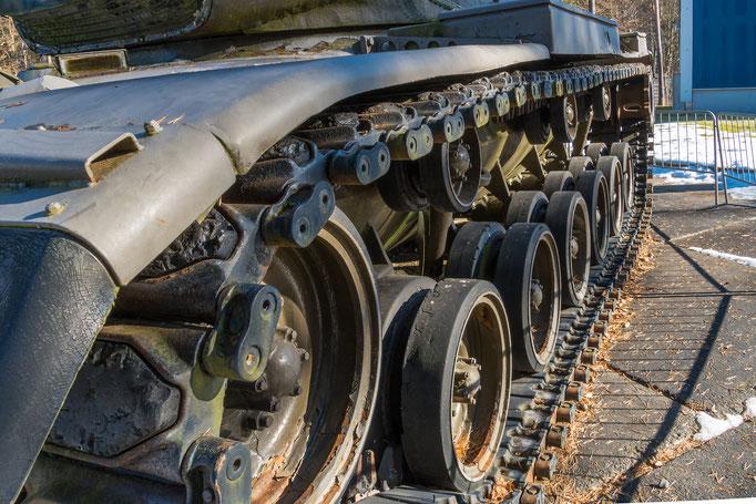 Kette und Laufrollen des US-Kampfpanzers M60 A3