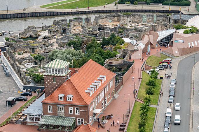 Blick von der Aussichtsplattform des ATLANTIC Sail City Hotel auf den Zoo am Meer, Bremerhaven