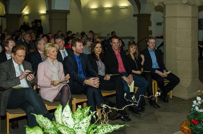 v.l. Rainer Bischoff und Tamara Bischoff (Landrätin), Günther Felbinger (FW MdL), Tanja und Martin Köhler, Anja Wagner und Philip Heigl (alle Storchenbrünnle)