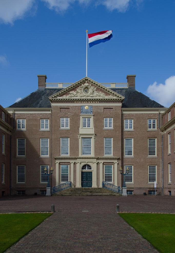Palais Het Loo, Hauptportal