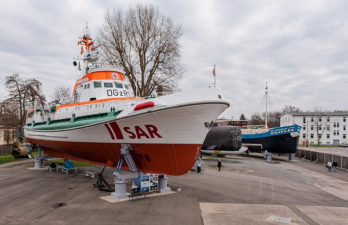 """SAS - Seenotrettungskreuzer """"John T. Essberger"""" der Deutschen Gesellschaft zur Rettung Schiffbrüchiger"""