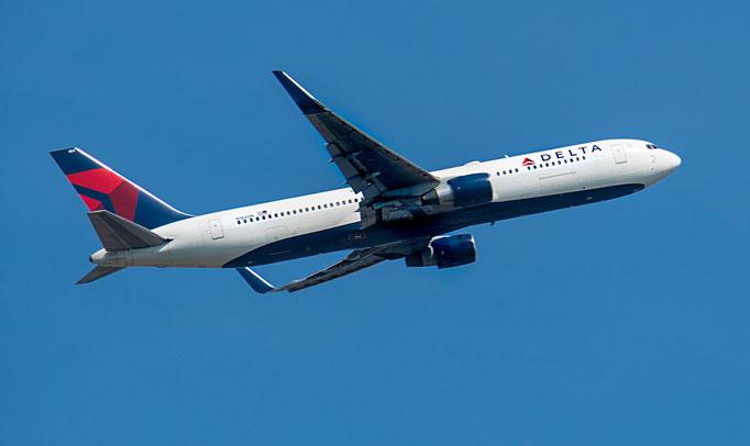 Delta Air Lines kurz Delta, ist eine US-amerikanische Fluggesellschaft mit Sitz in Atlanta und Mitglied der Luftfahrtallianz SkyTeam.