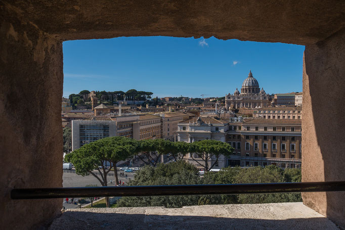 Durchblick in Richtung Vatikan