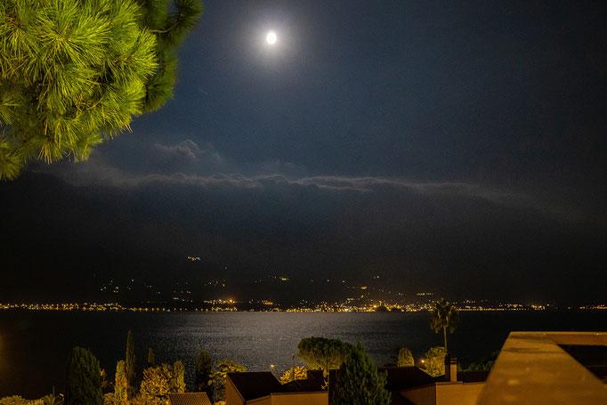 Der Mond ist auf gegangen...