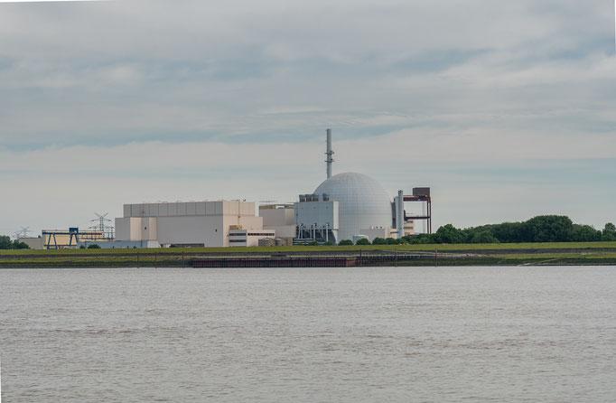 Kernkraftwerk Brokdorf auf der Steuerbordseite