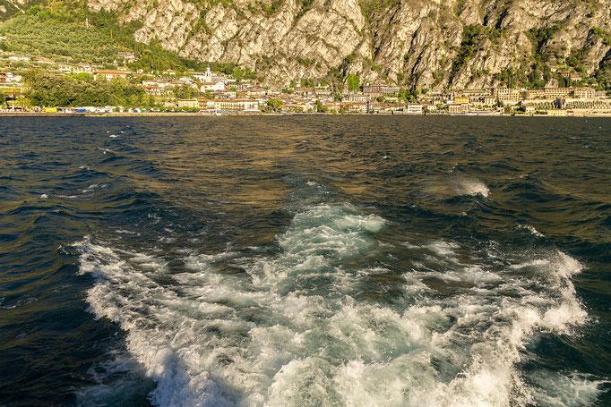 Mit dem Schiff von Limone sul Garda nach Malcesine