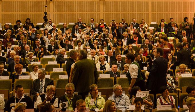 gut gefülltes Auditorium