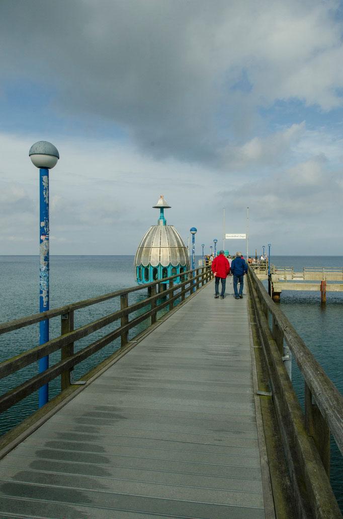 Seebrücke...   /Ostseeheilbad Zingst