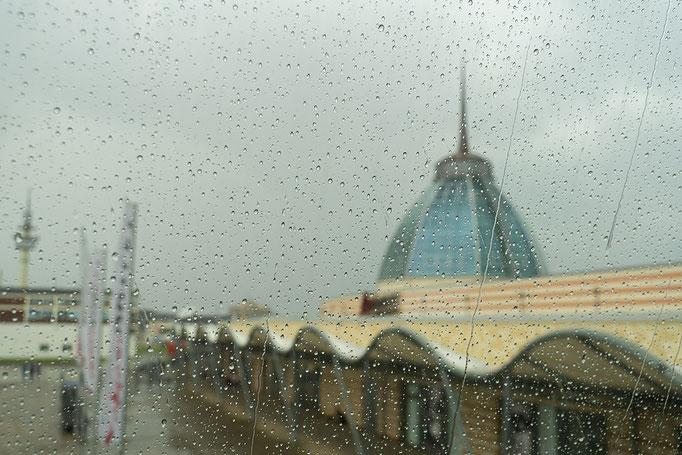 Starkregen im Alten Hafen