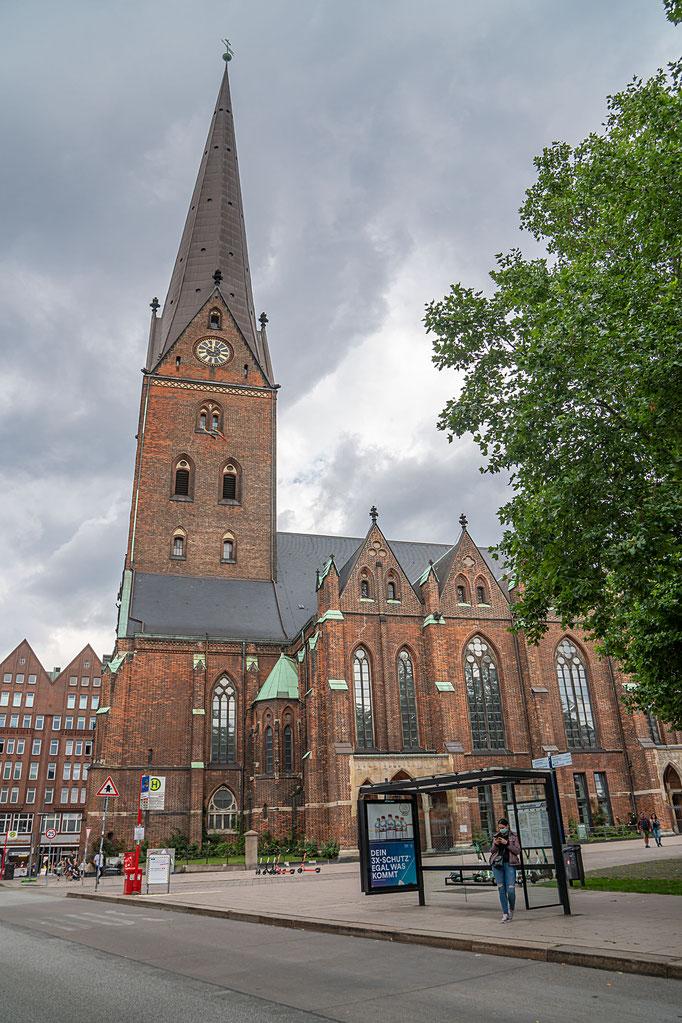 Blick von Speersort zur St. Petri Kirche