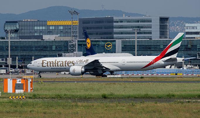 Emirates ist die staatliche Fluggesellschaft des Emirats Dubai in den Vereinigten Arabischen Emiraten mit Sitz in Dubai und Basis auf dem Flughafen Dubai.