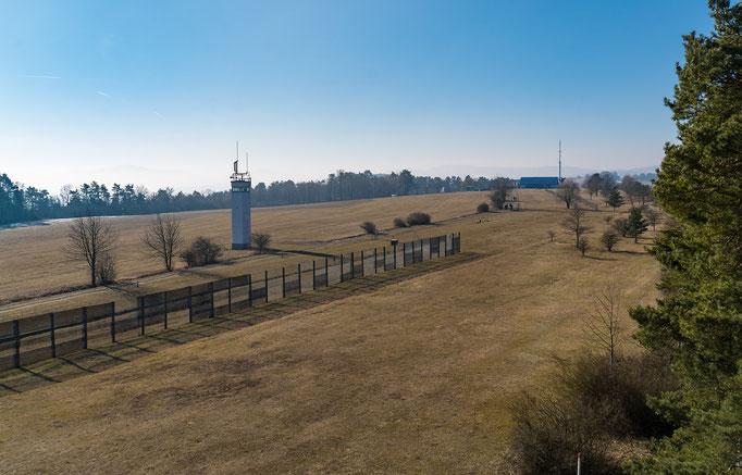 Blick vom US-Beobachtungsturm über die ehemalige DDR-Grenze nach Thüringen