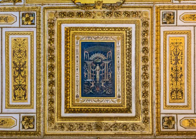 Prachtvolle Decken- und Wandgemälde