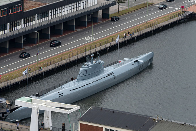 Blick vom Hotel Sail City auf das Ausstellungs-Uboot