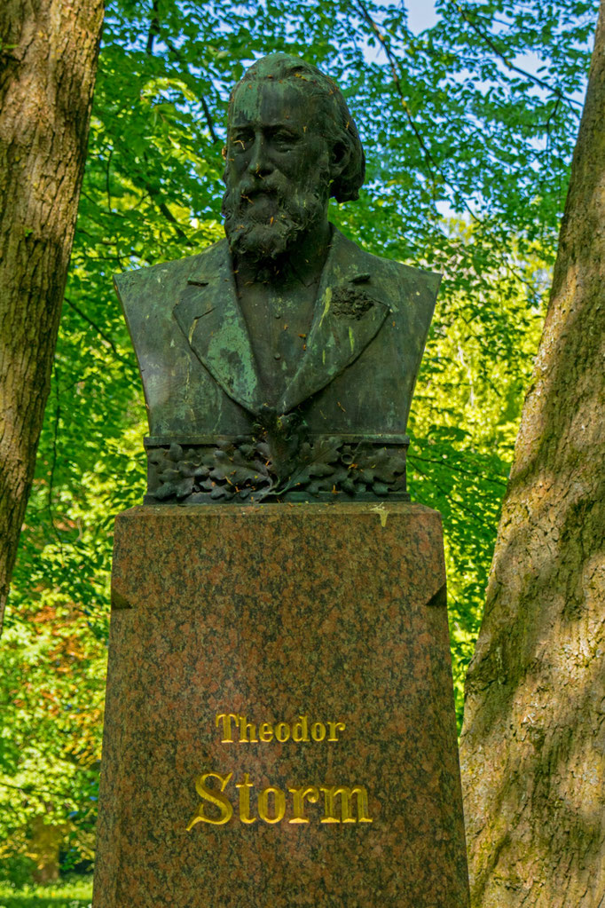 Theodor Storm Denkmal im Schlosspark