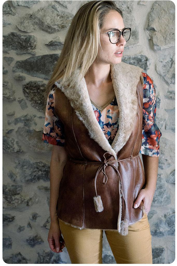 gilet en peau de mouton peau lainée intérieur fourré fourrure naturelle de mouton femme gilet cardigan veste longue sans manche