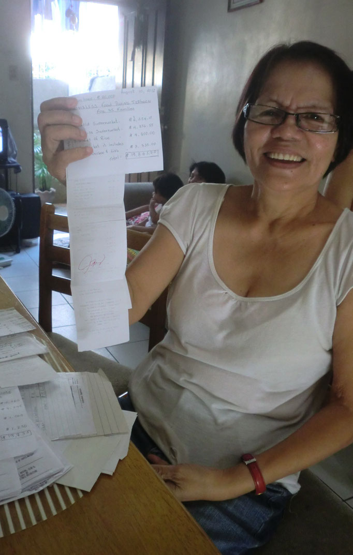 Ate Jane, unsere ehrenamtliche Mitarbeiterin in Manila verbindet die philippinische Herzlichkeit beim Koordinieren und Umsetzen aller Projekte mit der deutschen Genauigkeit, wenn es um die Verwaltung der Spenden geht...