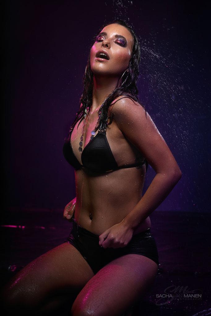 Fotograaf: Sacha van Manen- Model: Natascha Fischer- Make-up & hair: Jacqueline Huijssoon