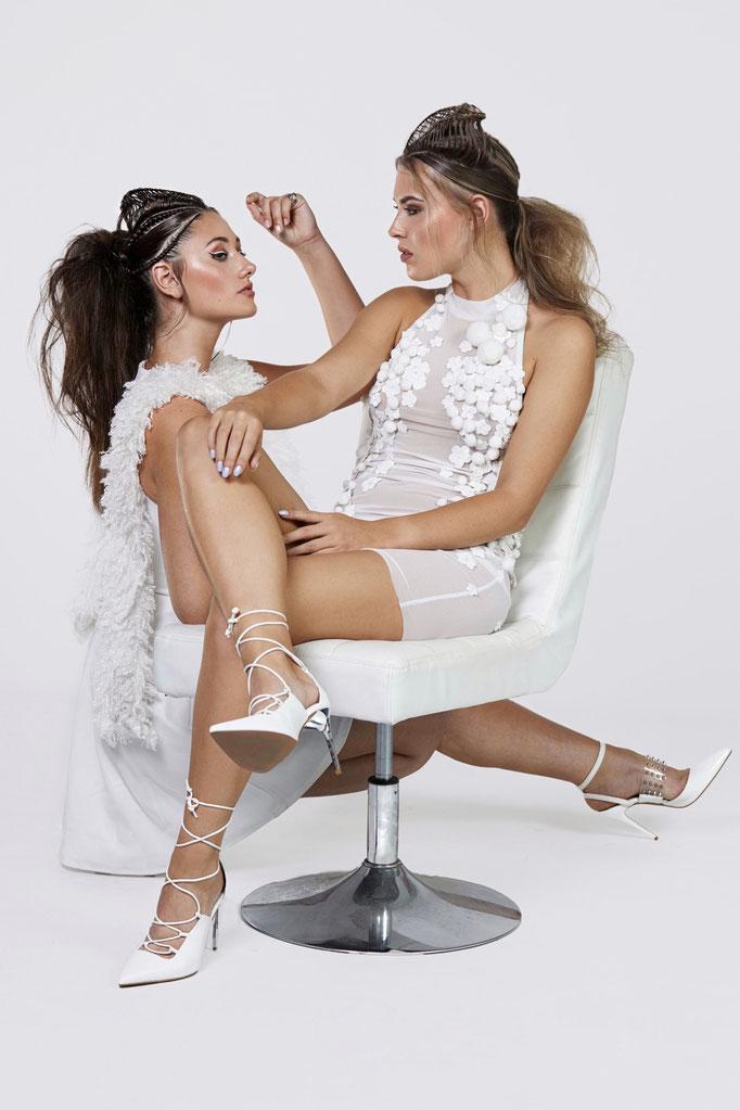 Fotograaf: Sacha van Manen- Modellen: Nikki & Romy Haar Sha Vlijter - Make-up: Jacqueline Huijssoon Styling: Monique Desar