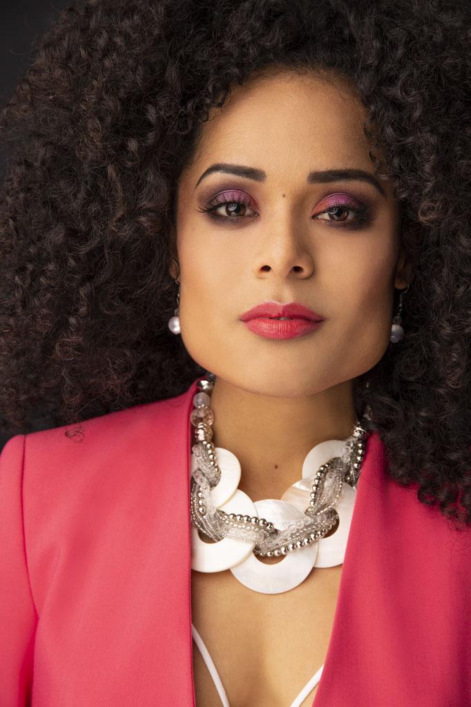 Fotograaf: Andreas Romeijn- Model: Leidy- Styling: Vanessa- Make-up & hair: Jacqueline Huijssoon