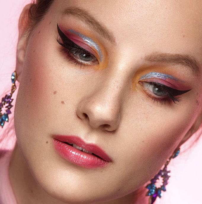 Fotograaf: Sacha van Manen- Model: Myra Kooren-Styling: Judith Veldman- Make-up & hair: Jacqueline Huijssoon
