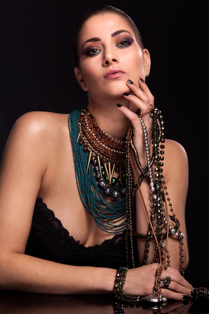 Fotograaf: Rob van der Vlierd- Model: Stefanie de Bruin- Make-up & hair: Jacqueline Huijssoon