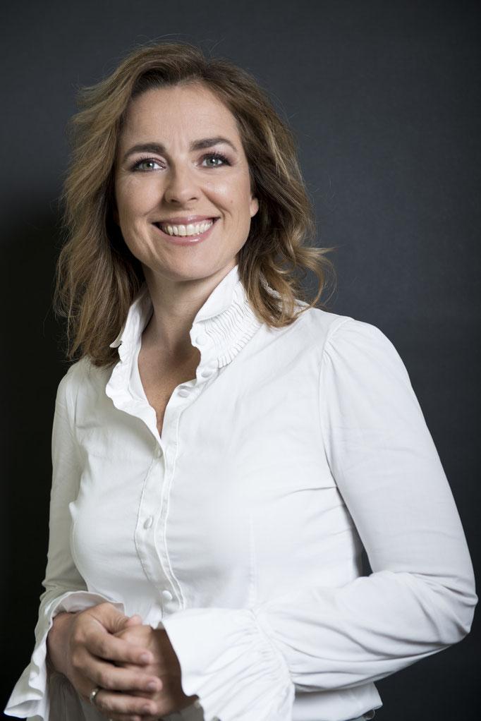 Fotograaf: Petrina Derksen- Model: Politica Marianne Thieme- Make-up & hair: Jacqueline Huijssoon
