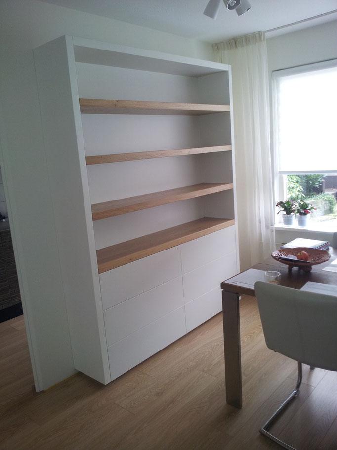 Boekenkast met zes laden