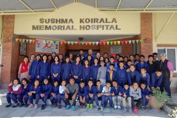und die dritte Gruppe am 13. März zum Sushma Koirala Memorial Hospital.