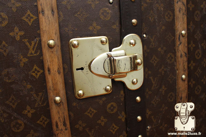 wardrobe Louis Vuitton lock