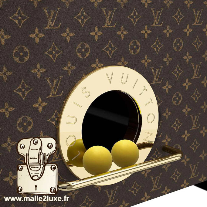 Baby-foot Louis Vuitton boule et balle